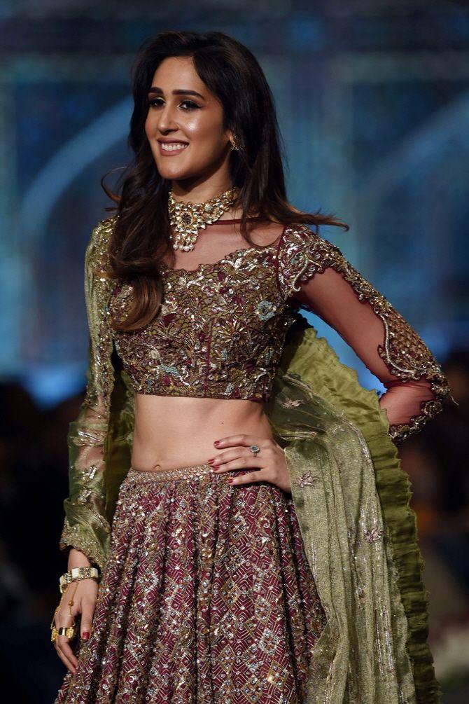 파키스탄 전통 혼례의 매력…`브라이덜 꾸뛰르 패션위크` 개최