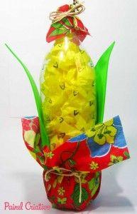 Enfeite de milho para festa junina feito com garrafa pet. #reciclagem #festajunina #junina #junho #criativo