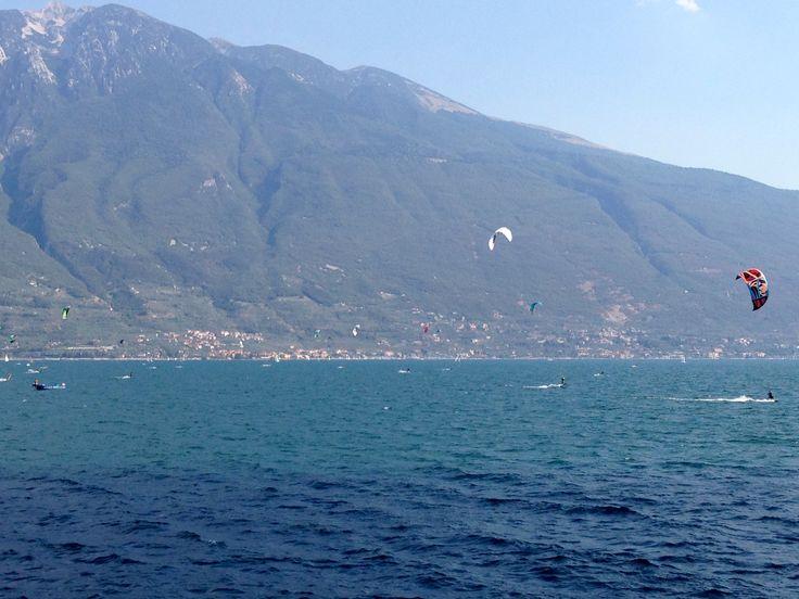 Kitesurfing a Campione del Garda.