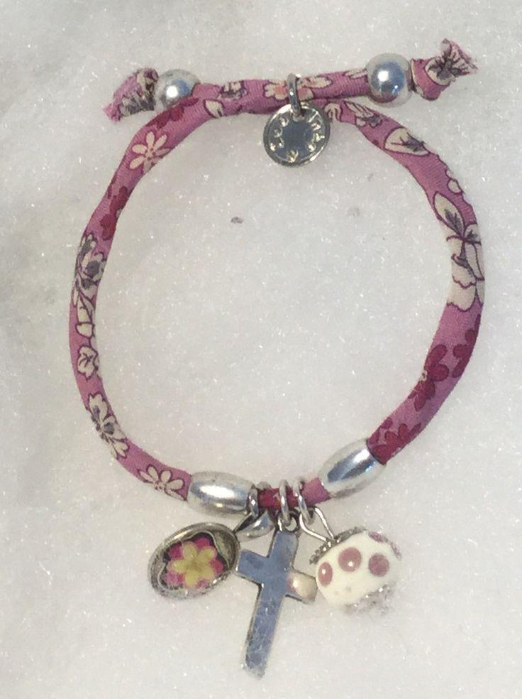 Bracelet religieux croix et Liberty rose : Bracelet par mode2filles