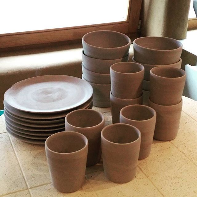 Breakfast sets, ready to get glazed today. Still not sure which glaze I'm going to use... #ceramics #keramiek #handmade #handcrafted #handgemaakt #ontbijt #breakfast #plates #bowls #mugs #borden #mokken #kommen #pottery #stoneware