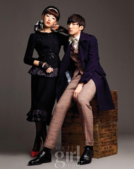 친밀하게 서로에게 다가선 영 모델들 :: Vogue Girl