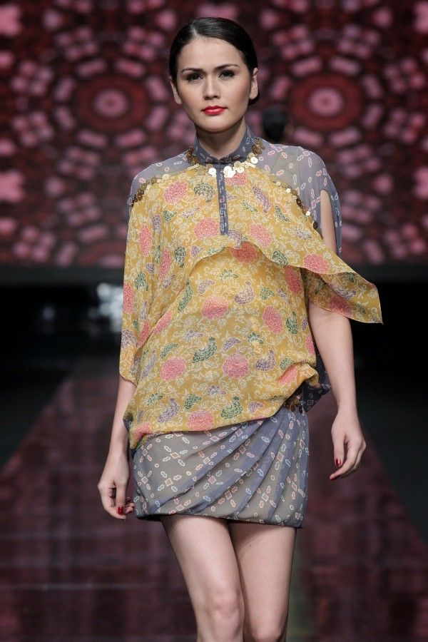 another color blocking batik