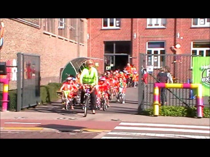 Fietsparade met onze gepimpte fiets...