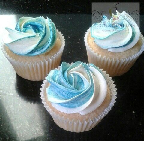 2 toned blue and white cupcakes