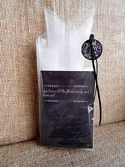 Μπομπονιέρα γάμου με κάρτα μαυροπίνακα και σπιρτόκουτο