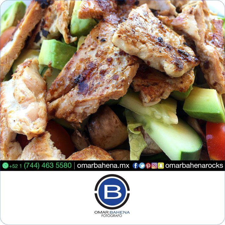¿Qué tal para hoy una saludable y nutritiva ensaladita con pollo asado? ¿Te gusta? ¡Compártelo! #omarbahena #ob #fotodeldia #Cabosanlucas #CSL #SanJosedelcabo #SJC #LosCabos #Balandra #LaPazBCS #BCS #pictoftheday #Guadalajara #GDL #ZMG #Queretaro #QRO #SanMigueldeAllende #SMA #Monterrey #MTY #Cancun #PuertoVallarta #Vallarta #PuntaMita #Puntademita #CiudaddeMexico #CDMX #Mexico #pictoftheday