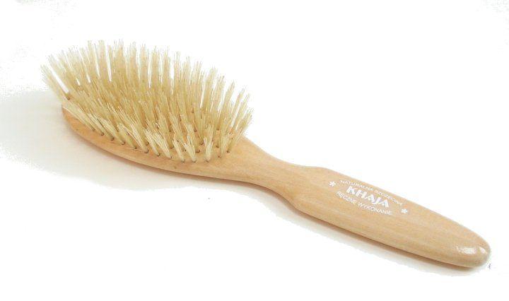 Szczotka do włosów Khaja Helena: jasna oprawka, jasne włosie buy: http://www.khaja.pl/pl/?3,helena-tradycyjna-jasne-wlosie
