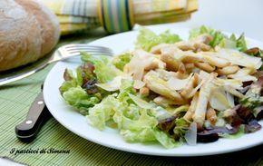 Insalata di pollo con scaglie di parmigiano, piatto freddo, piatto unico, secondo piatto veloce