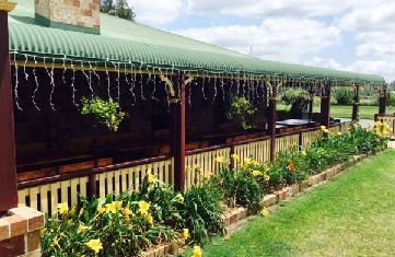 Welcome to The Bearded Dragon, an old fashioned Australian hospitality experience. Please come and enjoy our venue, set on 110 acres of farm and bushland in the foothills of Mt Tamborine!