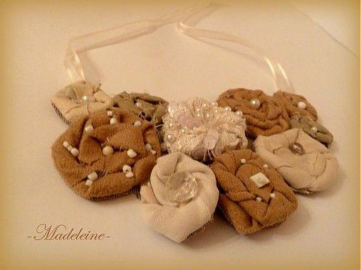 -Madeleine- / textilný náhrdelník