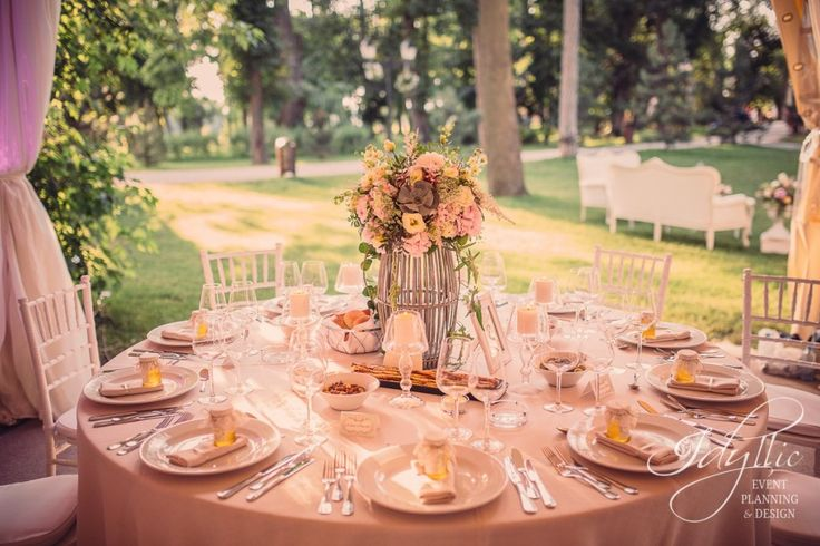 Tent wedding, Mogosoaia Palace | wedding design by Idyllic, Romania