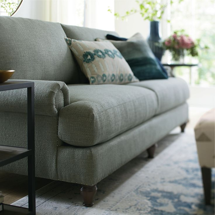 The Hunter Sofa By Bassett Furniture Bassett Is Available In Washington State From Fitterer S Furniture In Family Room Furniture Upholstered Headboard Sofa