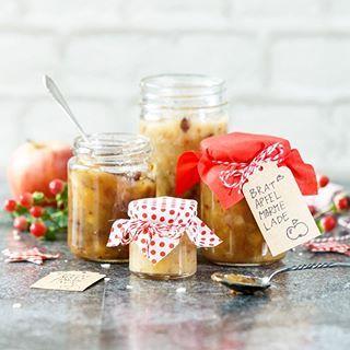 Du suchst noch nach einem leckeren und selbstgemachten Weihnachtsgeschenk? Die beschenkte Person wird sich ganz sicher über diese selbstgemachte Bratapfelmarmelade freuen ❤️ mit den Produkten von @nettomarkendiscountde Hier geht es zum Rezept: http://bit.ly/2ytFRbR #werbung #bratapfel #bratapfelmarmemade #marmelade #weihnachten #yummi #nettomarkendiscount #weihnachten2017 #christmas #geschenkeausderküche #weihnachtsgeschenk #geschenkidee