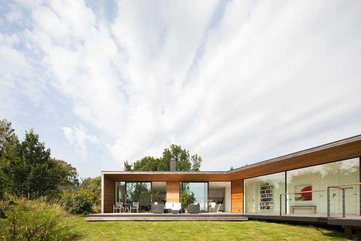 Modern contemporary villa designs Ladybird