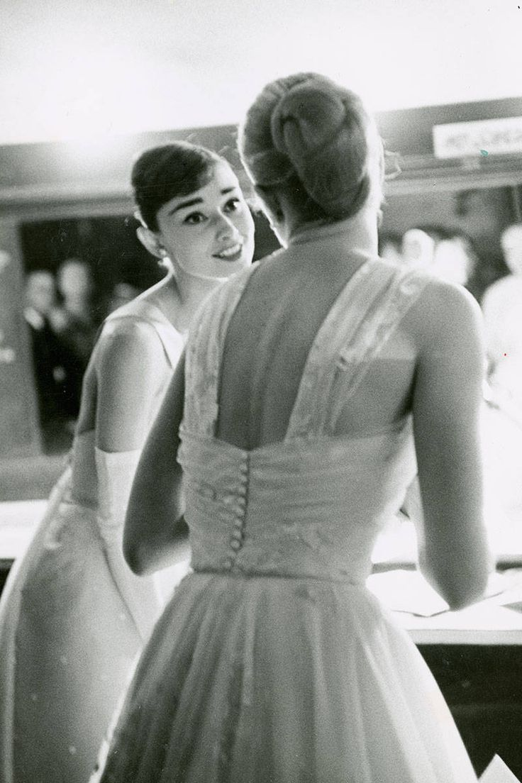 Audrey and Grace backstage at the Oscars