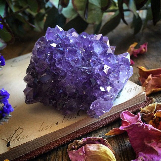 Amethyst // Crystal Fairy Vibes