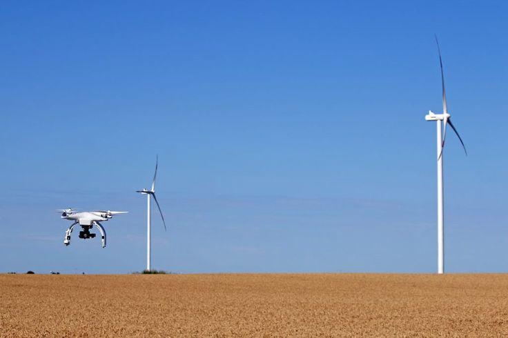 Droner er alsidige og kan levere luftfotos af selv de største landskaber på kort tid. RotorCam er dybt professionelle dronefotografer, du kan læse mere her.