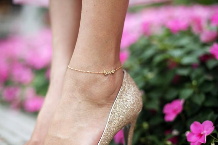 "Nicole Warne's ""Love"" anklet: Fashion, Sweet, Inspiration, Style, Anklets, Jewelry, Jennifer Zeuner, Accessories, Ankle Bracelets"