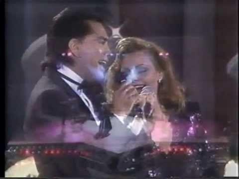 Rocio Durcal y José Luis Rodríguez (El Puma) - Medley Rancheras (en vivo) - YouTube