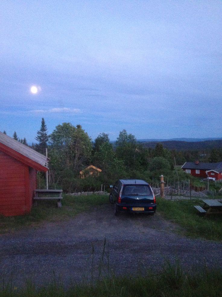Wo 11-6-2014 / Nordseter / 00.45 uur BIZAR! Nog licht :-)