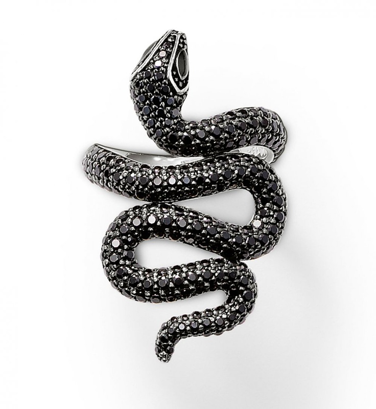 Thomas Sabo, bague, 149 € - for the Chine new year under the snake sign ! :-)