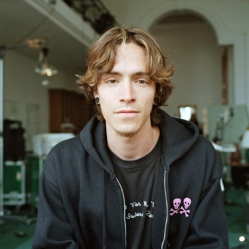 boyds dating Dated frontman brandon boyd of incubus and starred as his love interest in his video for stellar.