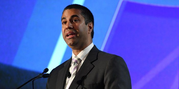 Regulator Outlines Net-Neutrality Rollback -- FCC chairman's plan would end common carrier treatment of providers // A top federal regulator proposed to roll back Obama-era rules governing how broadband providers treat traffic on their networks, touching off a fierce political fight with far-reaching implications for tech and telecom companies and internet users.