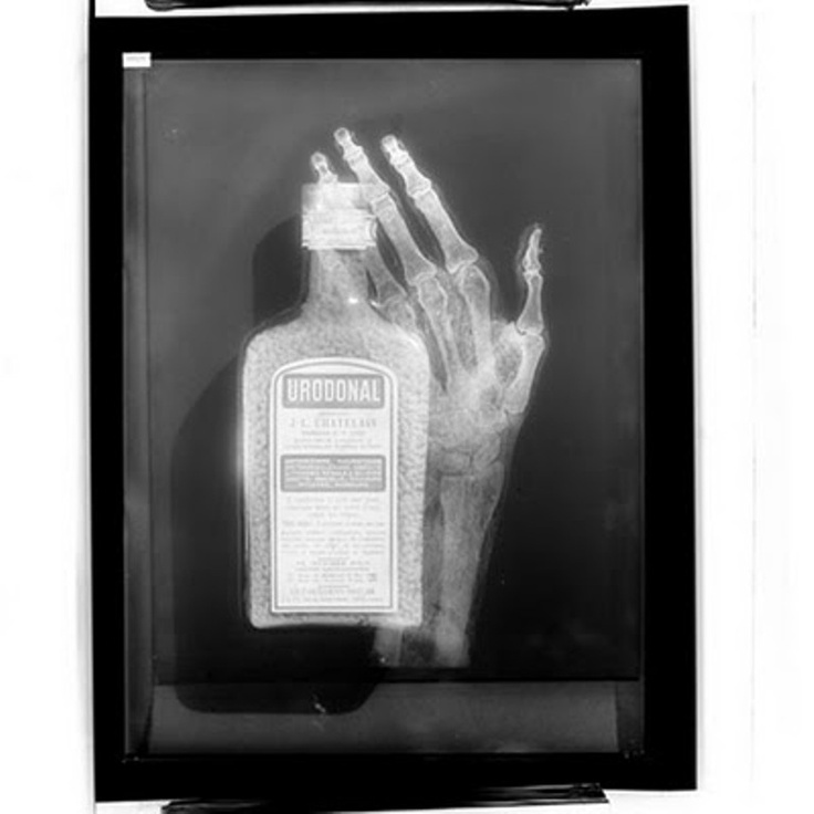 Advertising for Urodonal, 1930 by Emmanuel Sougez