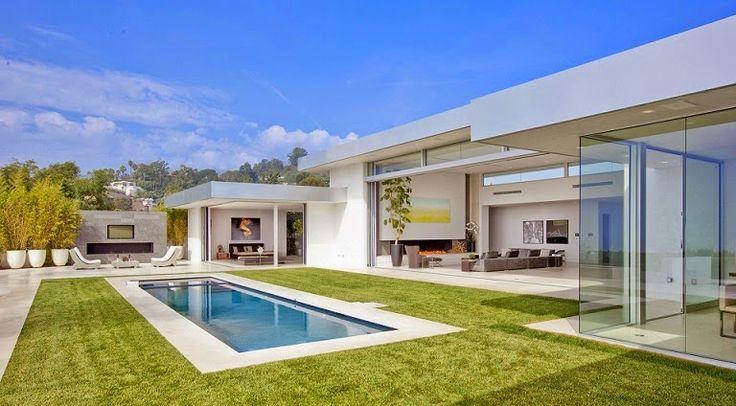 Casa minimalista Beverly Hills / McClean Design en California En esta casa se utilizaron tonos blancos en interiores y exteriores para proyectar amplitud.