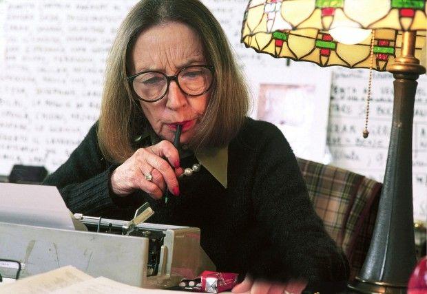 Oriana Fallaci nella sua casa di New York City