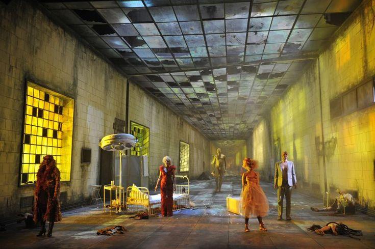 PHAEDRA (H.W.Henze)  Inszenierung Sabine Hartmannshenn<br/>Deutsche Oper am Rhein 2011