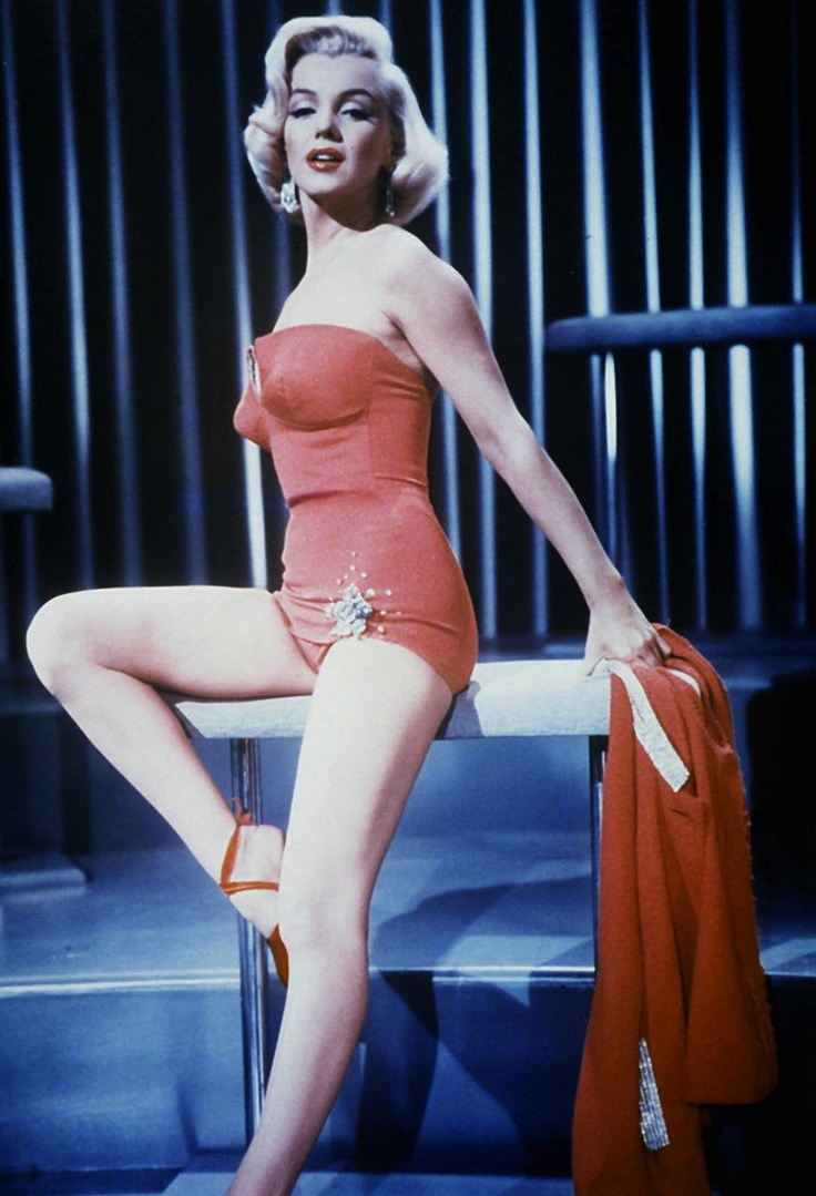 "This is a Scene from ""How to Marry a Millionaire."" Her face is so gorgeous, there has been no one since that has ever been more beautiful.: Vintage Swimsuits, Marilyn Monroe'S, Married, Millionaire 1953, Marilyn Monroe Photo, Norma Jeans, Photo Galleries, Marilynmonro, Red Swimsuits"
