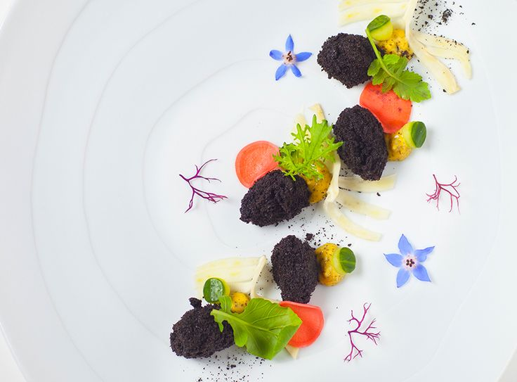 Oyster, squid ink bread, anchovy aioli, pickled fennel, and radish by chef Jung Sik Yim. © Jungsik. - See more at: http://theartofplating.com/gallery/?home=1&link=post-376#gallery37341