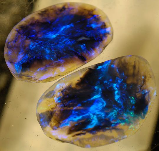 Black Opals Look Like Cosmos's Capsules