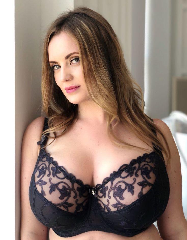 фото большие женские груди - 10