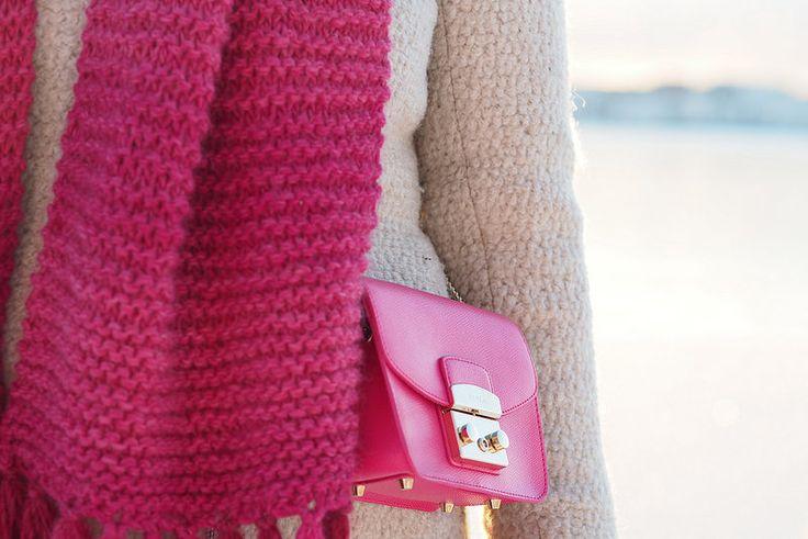 Pitsiniekka   Furla Metropolis Mini Pinky in Woolly Winter Outfit