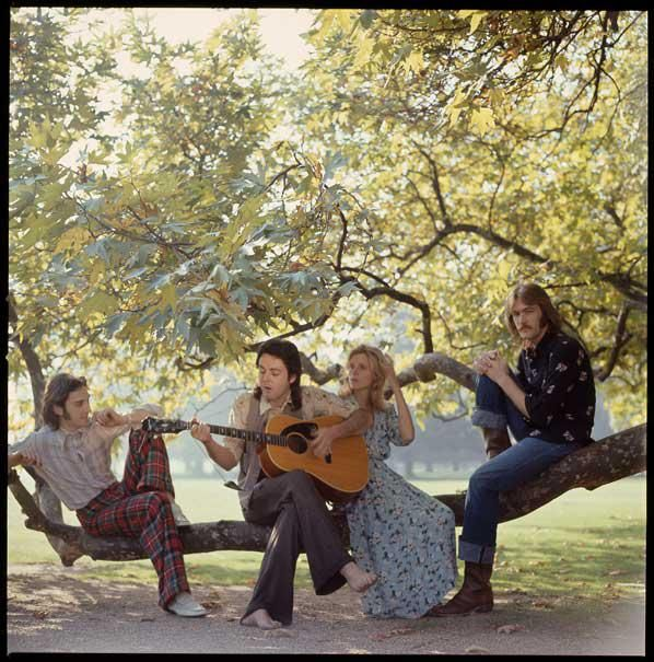 'Wild Life' photo shoot, Denny Laine, Paul, Linda and Denny Seiwell, 12/07/1971