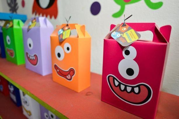 http://corujices.com/2014/01/21/festa-colorida-de-monstros/