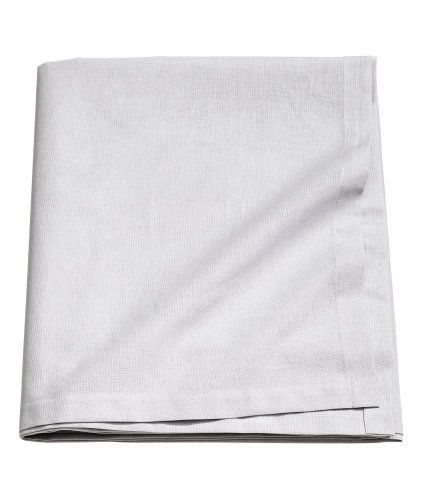Light grey. CONSCIOUS. Tablecloth in an organic cotton weave.
