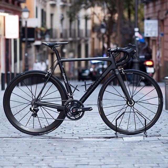 """""""Lightest bike in the peleton #Lightweightalltheway #meilenstein"""" -->"""