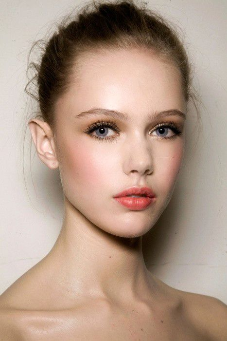 Peach Lips for Fresh Makeup