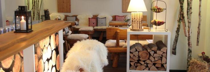 Gemütlich feiern im natürlichen Ambiente könnt ihr im Hotel zum Walde in Stolberg.