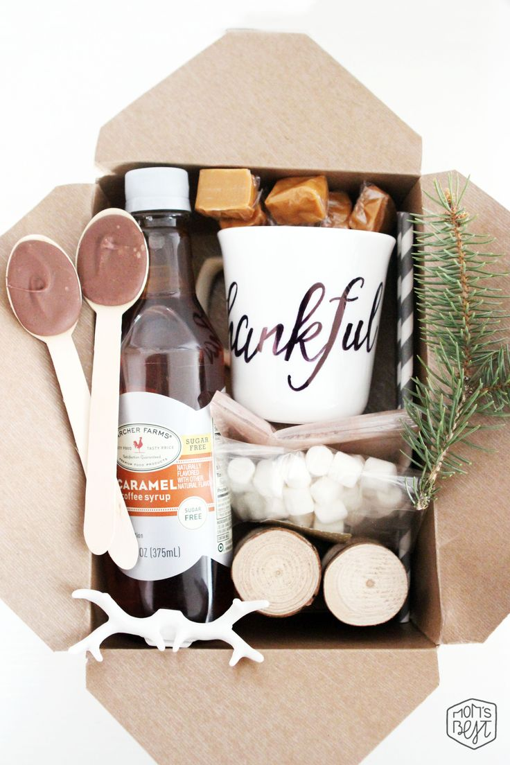 Mom's Best Network: DIY Thanksgiving Fall Box + A Sneak Peak of our Upcoming Fall Dinner Celebration