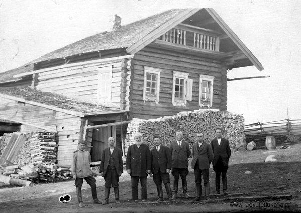 Karjalaismallinen talo - Salmin pitäjän Käsnäselän kylän Mension (ent…