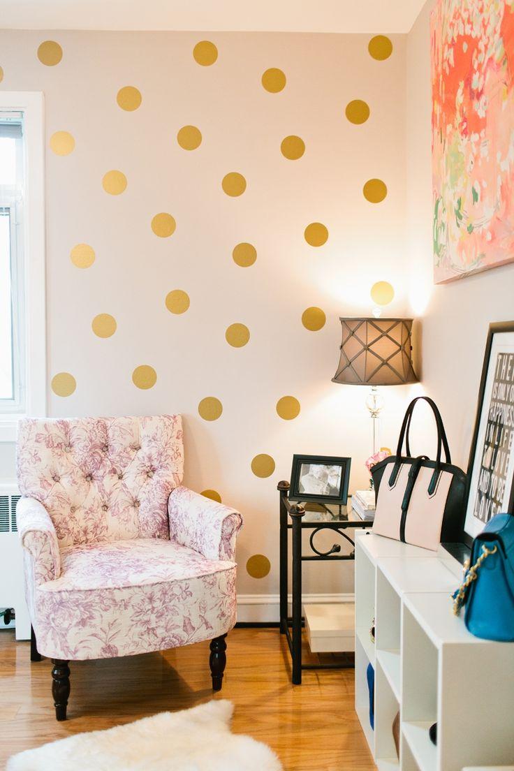 Laura Bateman Reif's Washington D.C. Home #theeverygirl #polkadotwall