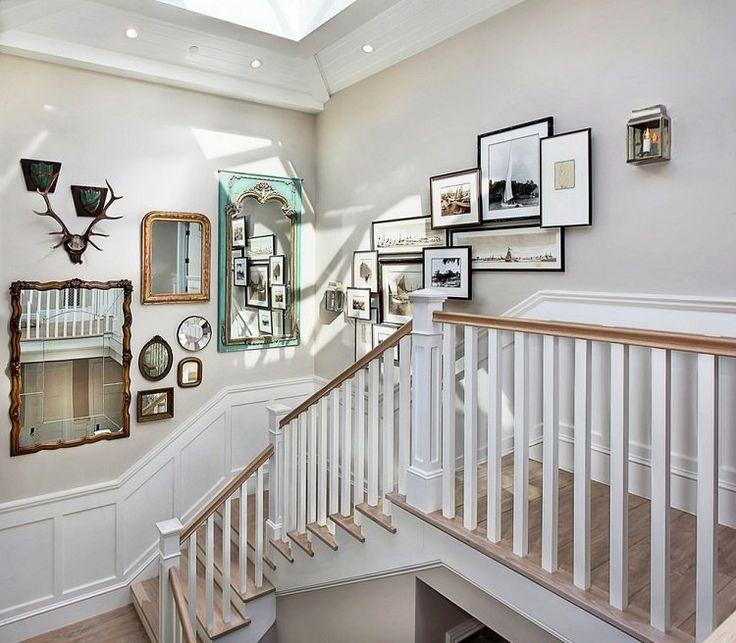 rénovation escalier et idée de décoration magnifique avec cadres et miroirs