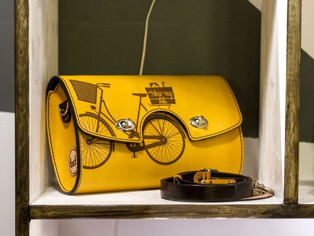 Cu bicicleta prin oraş / Accesorii din piele - igloo.ro