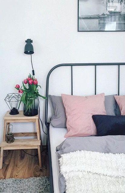 Schlafzimmer einrichtungsideen bett sleep black and white for Einrichtungsideen studentenzimmer