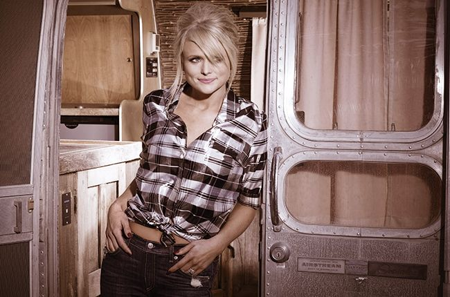 Reese Witherspoon loves Miranda Lambert too! #TwoOfACrime #HotPursuit #Movies